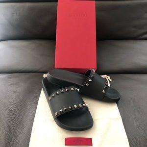 Valentino Slides